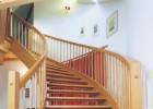 Samonosné dubové schodiště